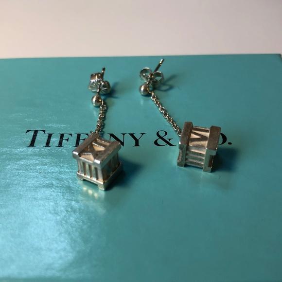 74e307302 TIFFANY & CO SILVER ATLAS DANGLE EARRINGS RARE. M_5c575bfff63eeac49c7f2d35